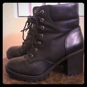 Black heel combat boots!!
